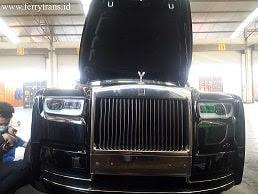 Gambar depan Mobil Rolls Royce 2020