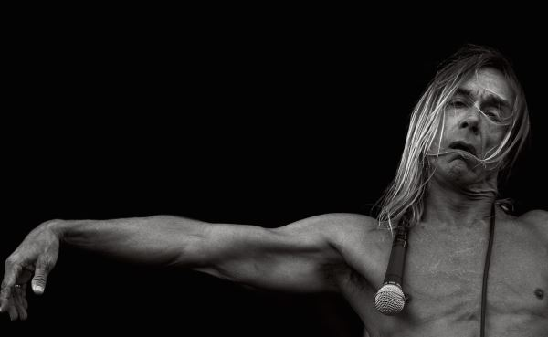 IGGY POP: Πόζαρε γυμνός για έκθεση στο μουσείο του Brooklyn