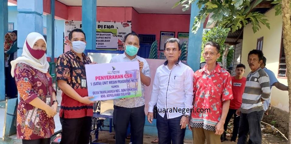 Hasil Perkebunan Jambu Mete Melimpah, PT Bank Sulselbar Berikan Bantuan  CSR di Desa Tamalanrea