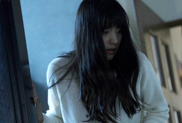 Mizuki Yamamoto Sadako VS Kayako movie still