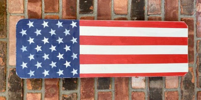 Red, white and blue wooden American flag decoration