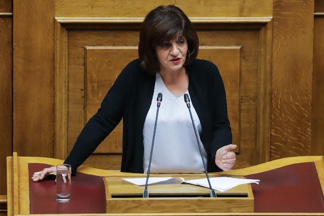 ΔΤ: Φρόσω Καρασαρλίδου: Ερώτηση για την ενίσχυση και επέκταση στον ευρύτερο Δημόσιο και ιδιωτικό τομέα, της ειδικής προστασίας μονογονεϊκών οικογενειών