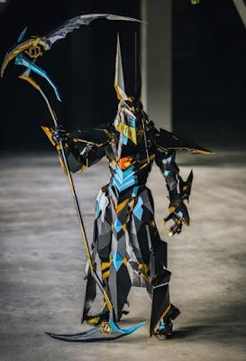 Wanita Ini Habiskan 1000 Jam Untuk Membuat Sebuah Kostum, Hasilnya Keren Parah