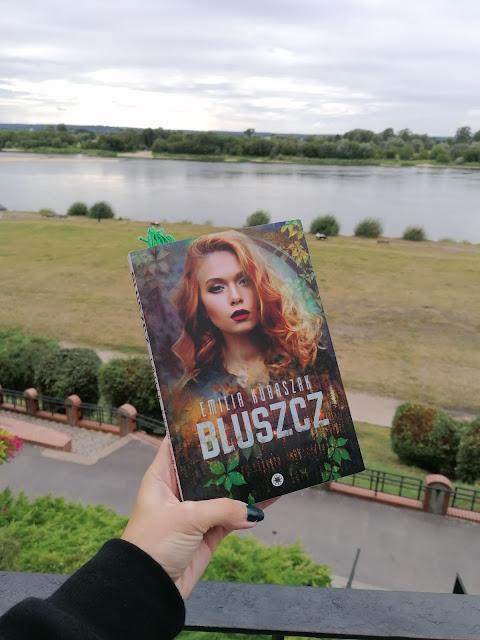 """Emilia Kubaszak - """"Bluszcz"""""""