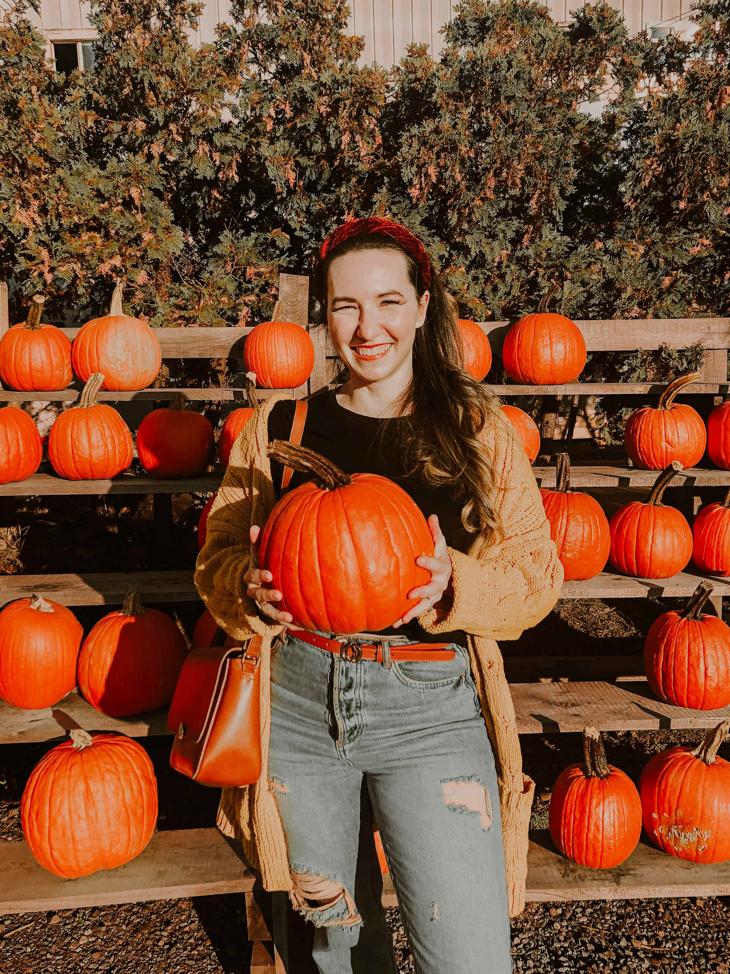 What to wear pumpkin picking — Fall cardigan — Pumpkin picking outfit Ideas — Cute pumpkin picking outfits — Pumpkin farm outfits