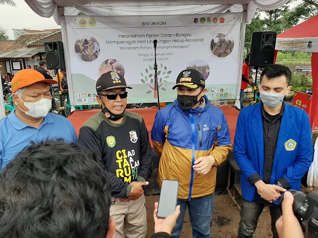 Dansektor 7 Satgas Citarum Gandeng Mahasiswa, Pelajar & Karang Taruna Tanam Pohon Di Bantaran Citarum