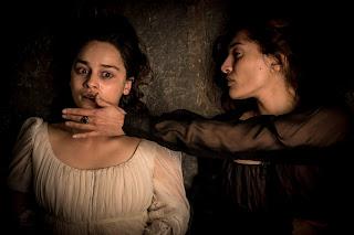 voice from the stone: emilia clarke para miedo en un nuevo trailer