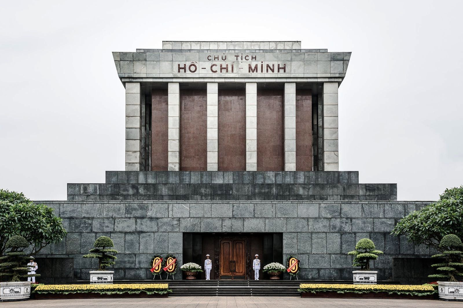 Ho Chi Minh mausoleum in Hanoi (Opening hours and times) Hanoi weather 2017