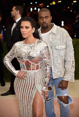 kanye west and kim kardashian pose at the MET gala 2016