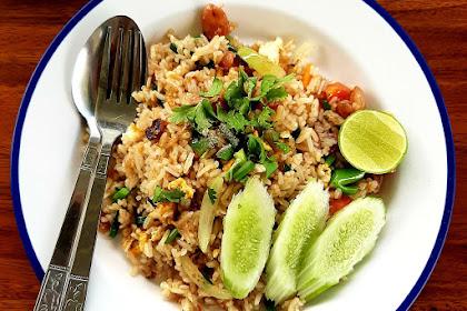 10 Makanan Indonesia Paling Enak Yang Harus Ada di Setiap Daftar Traveller