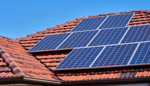 Panel Surya, Manfaatkan Energi Listrik Dari Matahari