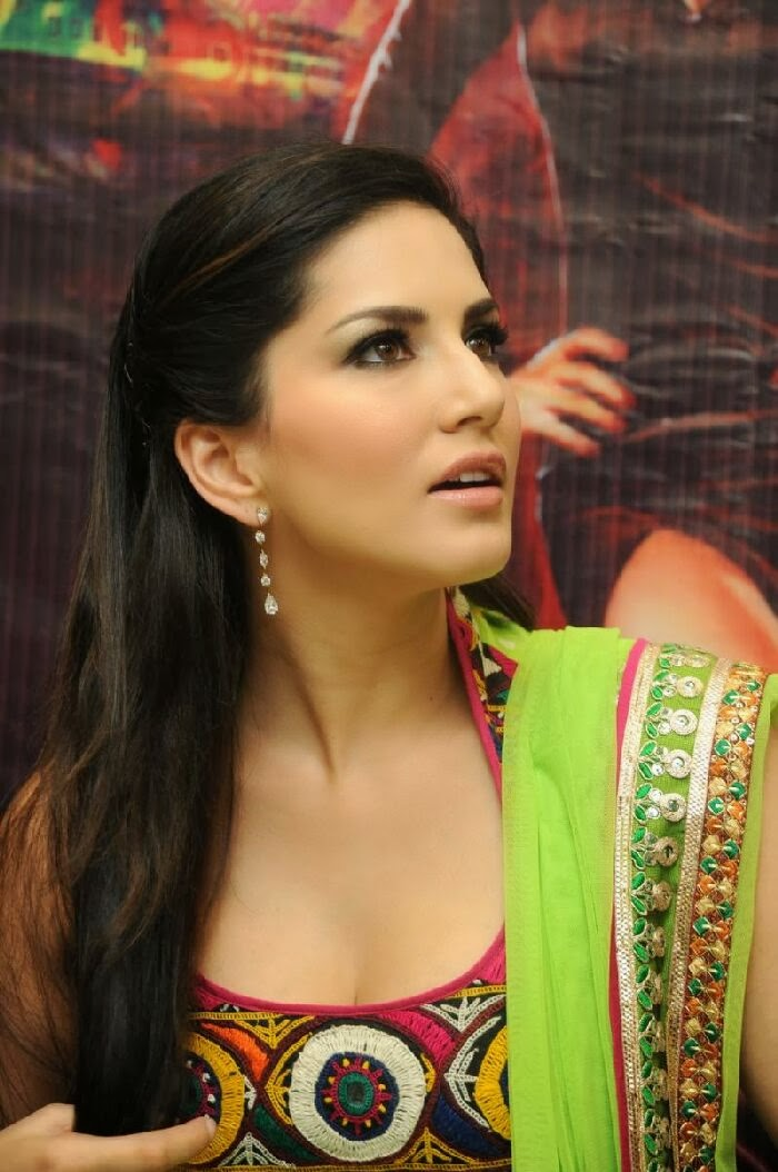 Sunny Leone Latest Naked Photos