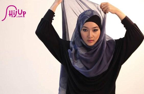 Beli Hijab Online Bertubuh mungil
