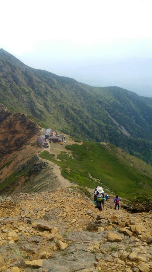赤岳への急峻なハシゴ場