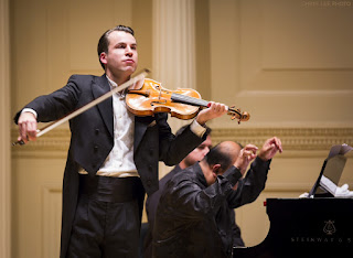 Daniel Röhn performing The Kreisler Story at Carnegie Hall
