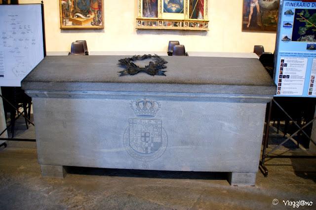 Una delle tombe di Casa Savoia presenti nella Chiesa della Sacra di San Michele