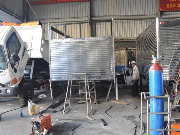 Chuyên sửa chữa thùng xe tải cũ
