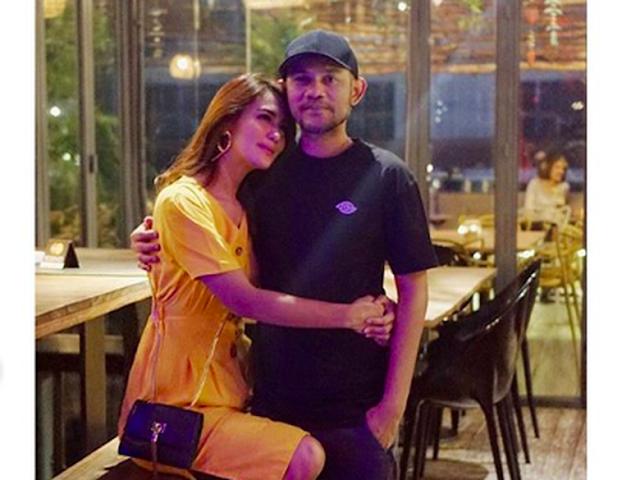 Gejolak Batin Istri Herman 'Seventeen' Masuk Kamar Tanpa Suami
