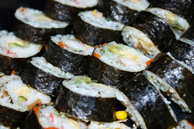 sushi en la cocina de la abuela