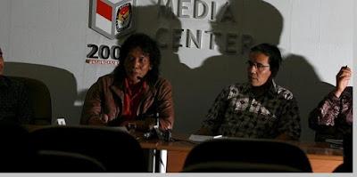 Kasus penyuapan anggota KPU, Mulyana W. Kusumah - berbagaireviews.com