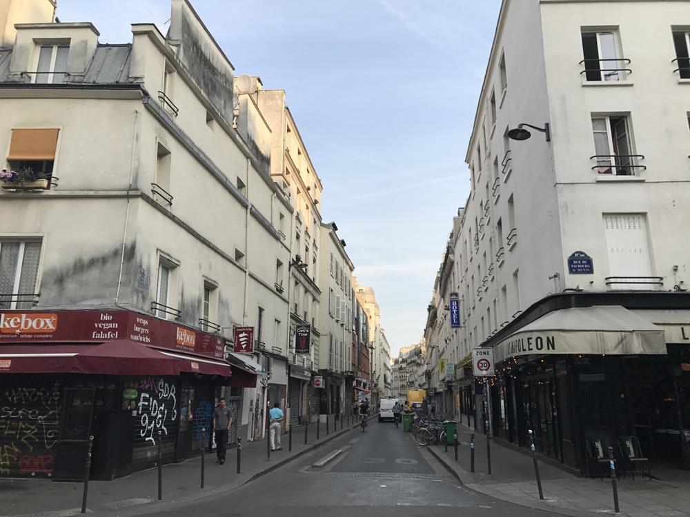 Yksi kuuma yö Pariisissa 21