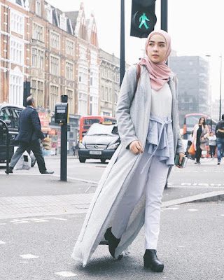 cewek manis pakai Jilbab pink cantik dan imut