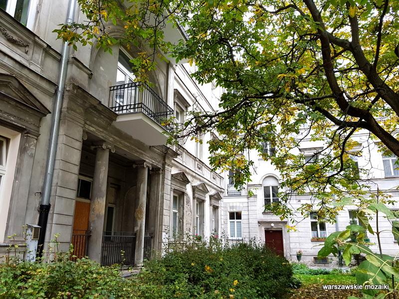 Warszawa Warsaw kamienica architektura architecture zabytek przedwojenna kamienica Śródmieście podwórko kolumny