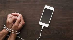 كيف نستطيع التخلص من إدمان الهاتف ؟
