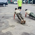 Anggota Penerangan Kodim 0702/Purbalingga di Push Up