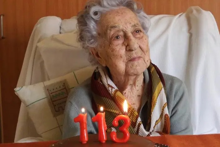Mulher de 113 anos se recupera do novo coronavírus na Espanha