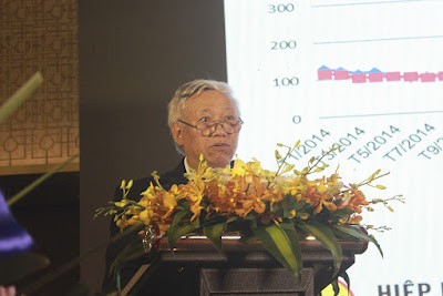 Ông Nguyễn Văn Sưa, Phó Chủ tịch VSA nhiệm kỳ IV báo cáo tổng kết hoạt động của Hiệp hội trong nhiệm kỳ vừa qua
