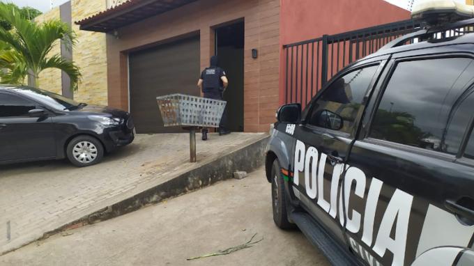 Golpes na venda de consórcios de motos leva à prisão empresária e filha no interior do Ceará