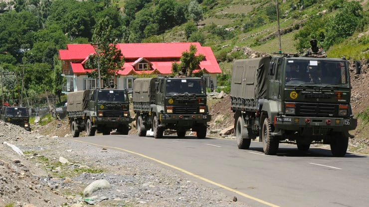 A convoy of Indian Army passes through Gagangeer along the highway leading to Ladakh on June 22, 2020 in Ganderbal, India. Photo: Waseem Andrabi / Getty image