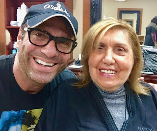 Jerry Penacoli clicking selfie with his mother