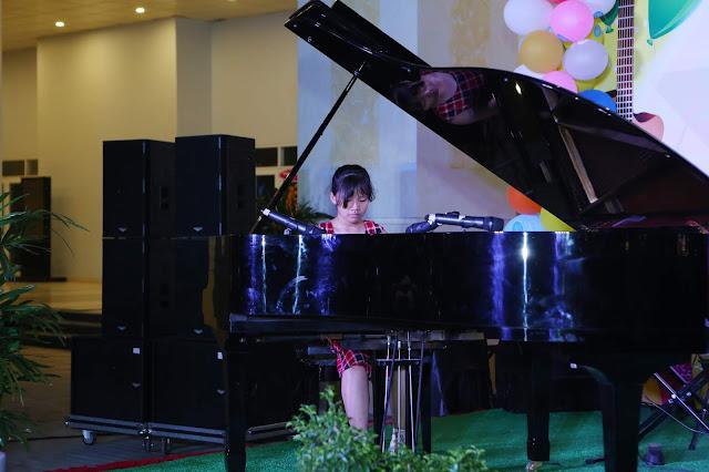 Bé Bảo Ngọc - Học viên trường nhạc SMS biểu diễn độc tấu piano