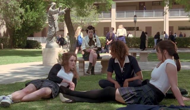 cena escola em jovens bruxas