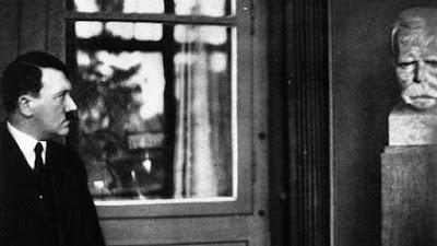 Ο Νίτσε του έμαθε πολλά για την δύναμη της θέλησης. Η δίψα του για γνώση ήτανε άσβεστη. Ξόδευε αμέτρητες ώρες μελέτης πάνω σε έργα του Τάκιτου και του Μόμσεν, στρατιωτικούς όπως ο Κλάουζεβιτζ, και δημιουργούς αυτοκρατορίας όπως ο Μπίσμαρκ. Τίποτα δεν του ξέφευγε, παγκόσμια ιστορία ή η ιστορία των πολιτισμών,η μελέτη της Βίβλου και το Ταλμούδ,  Θωμιστική φιλοσοφία και όλα τα αριστουργήματα του Όμηρου, Σοφοκλή, Οράτιου, Οβίδιου, Τίτου Λίβιου και Κικέρωνα. Γνώριζε για τον Ιουλιανό τον Αποστάτη σαν να ήτανε σύγχρονος του.