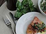 Salmon with capers, sun-dried tomatoes and basil