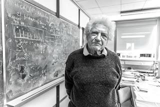 """وفاة """"جاك شتاينبرجر"""" الحائز على جائزة نوبل في الفيزياء عن 99"""