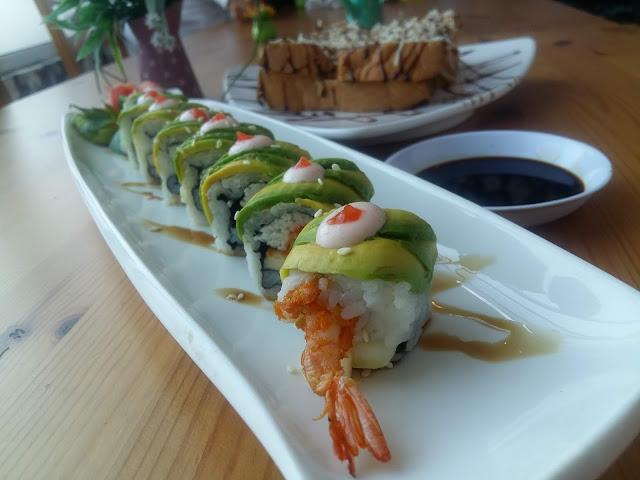 sushi dragon roll huk family resto
