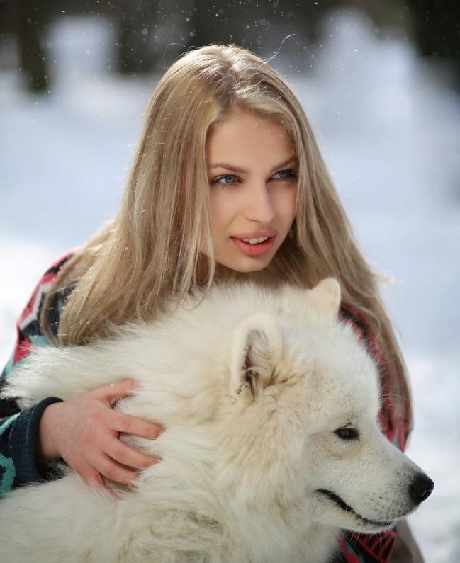 Dlaczego psy lubią być drapane po brzuszku i za uszami