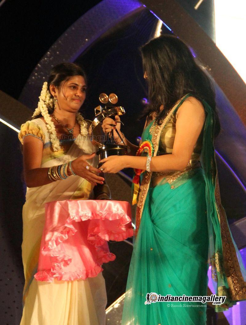 Now Running Movies 4U Actress Namitha Pramod Hot Navel-6521