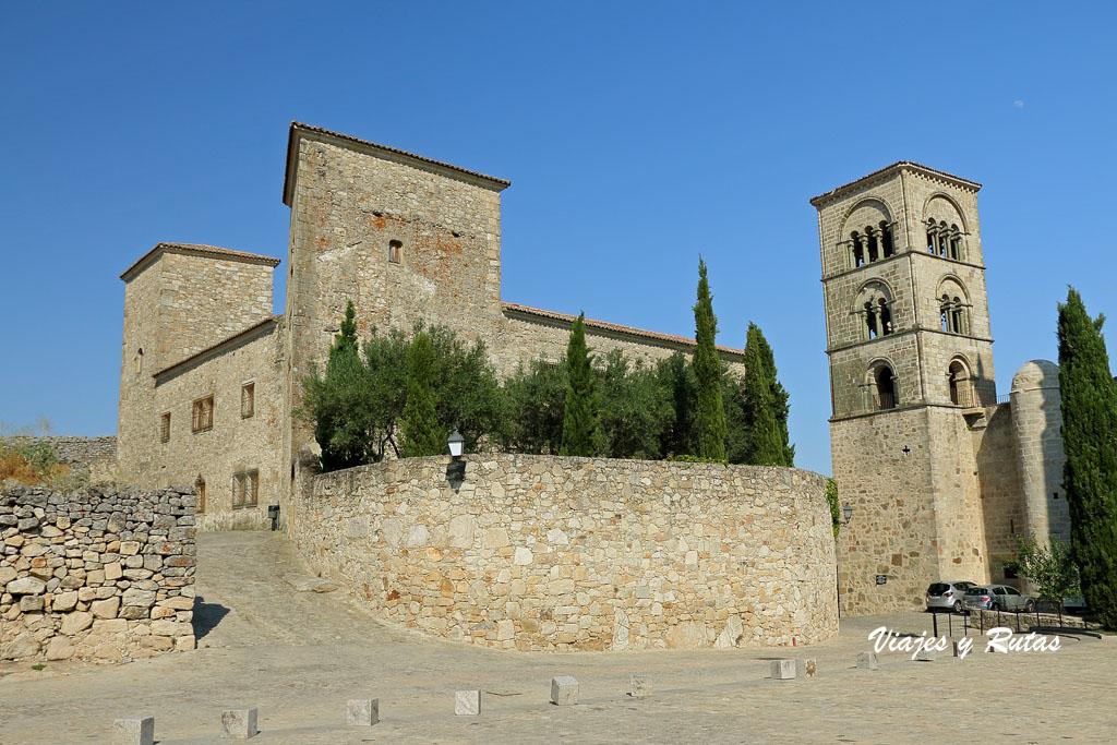 Iglesia de Sta María la Mayor y palacio Pizarro Hinojosa de Trujillo
