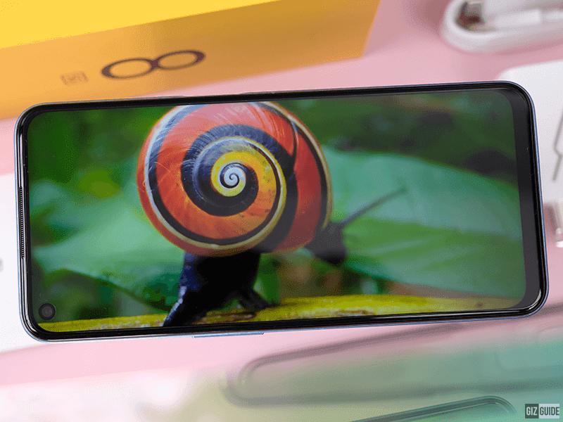 Slim bezels, vibrant display