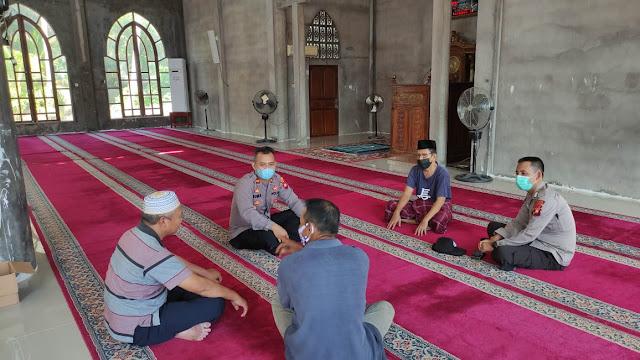 Jelang Idul Adha, Kapolsek Sungai Raya Kepulauan Silaturahmi Dengan Pengurus Masjid
