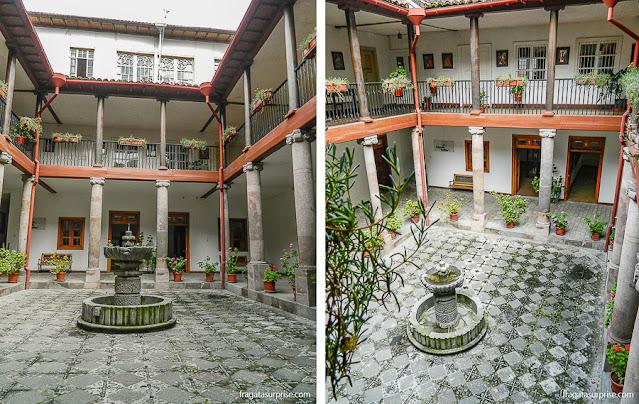 Claustro da Catedral de Quito