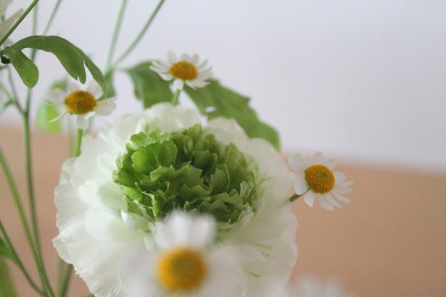 Petersilienranunkel Kamille Flower Power Blumenliebe Glueckspaket Jules kleines Freudenhaus