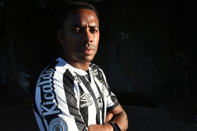 Robinho volta ao Santos — Foto: Santos F.C