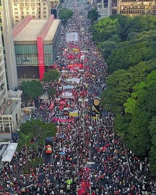Foto mostra a manifestação na avenida Paulista - SP. dia 29/05/21