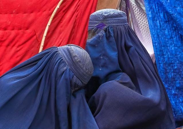 Ο φόβος έχει κυριεύσει εκατομμύρια γυναίκες στο Αφγανιστάν - Η «κόλαση» είναι κοντά (βίντεο)